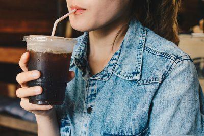 Cum ii afecteaza cofeina pe copii