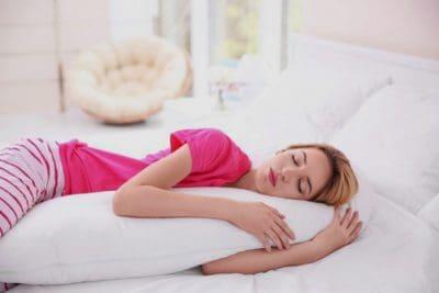 Care este cea mai buna pozite de somn